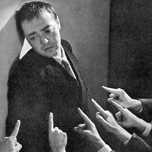 """Peter Lorre në rolin e Raskolnikovit, foto nga filmi """"Krim e ndëshkim"""", 1935, i regjisorit Josef von Sternberg"""